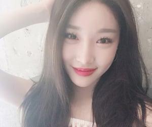 kpop and selfie image