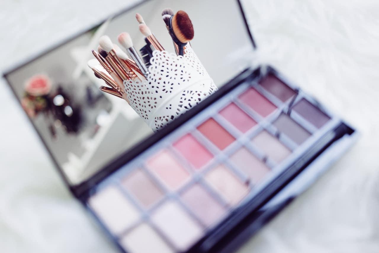 article, christmas, and makeup image