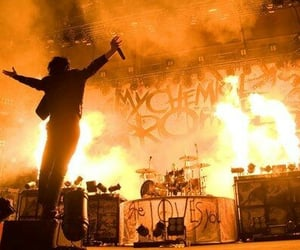 gerard way, my chemical romance, and concert image