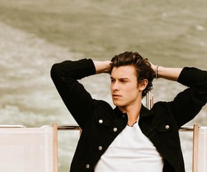 shawn mendes, boy, and handsome image