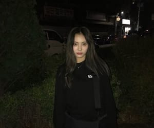 loona, jinsoul, and kpop image