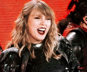 Taylor Swift and sparkle image