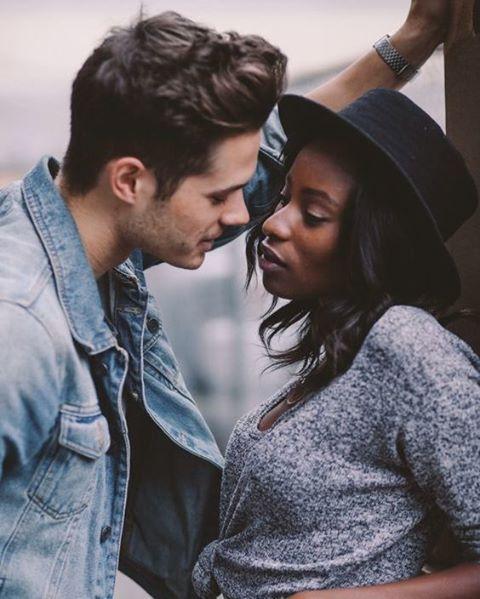 Τι είναι η διαφυλετικός dating