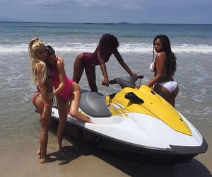 kylie jenner, beach, and pia mia image