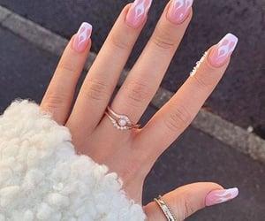 rings&nail art image