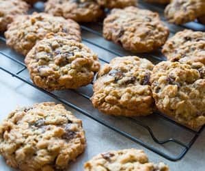Cookies, raisin, and oatmeal image