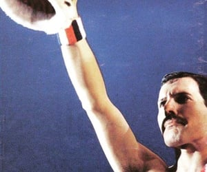 Freddie Mercury, Queen, and singer image