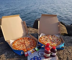 food, pizza, and بيتزا image