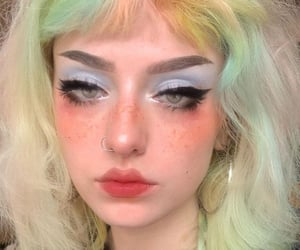 colored hair, makeup, and maquiagem image
