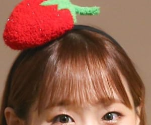 kpop, chuu, and jiwoo image