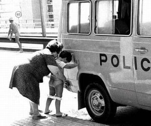 police, policia, and black and white image