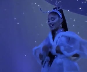 swt, winter, and ariana grande image