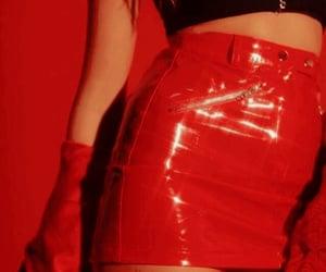 fire, color rojo, and glitter image