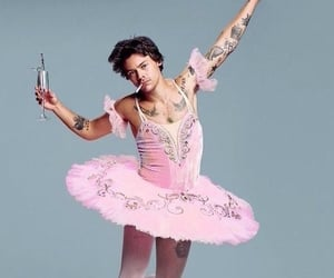Harry Styles, pink, and snl image