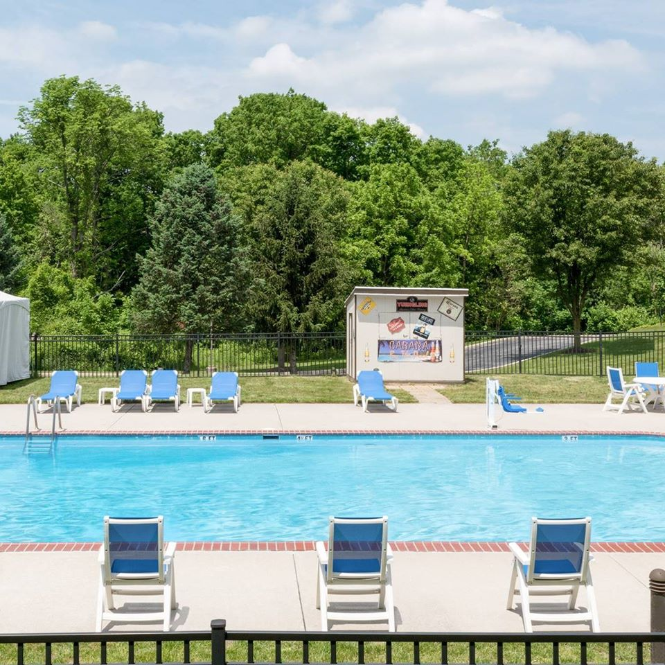outdoor pool image