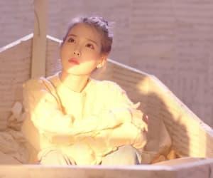 iu and lee jieun image