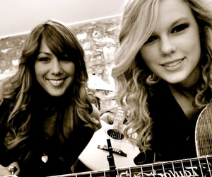 Taylor Swift and colbie caillat image