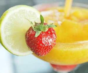 drink and strawberry image