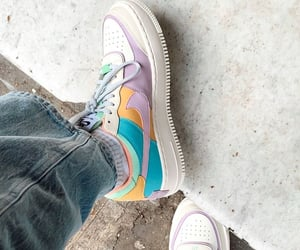 AF1, classic, and color image