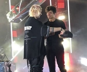 icons, low quality, and michael clifford image