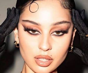 alexa demie, euphoria, and makeup image