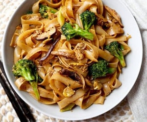 broccoli, food, and noodles image