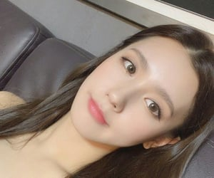 k-pop, (여자)아이들, and miyeon image