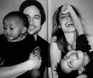 Angelina Jolie, brad pitt, and family image