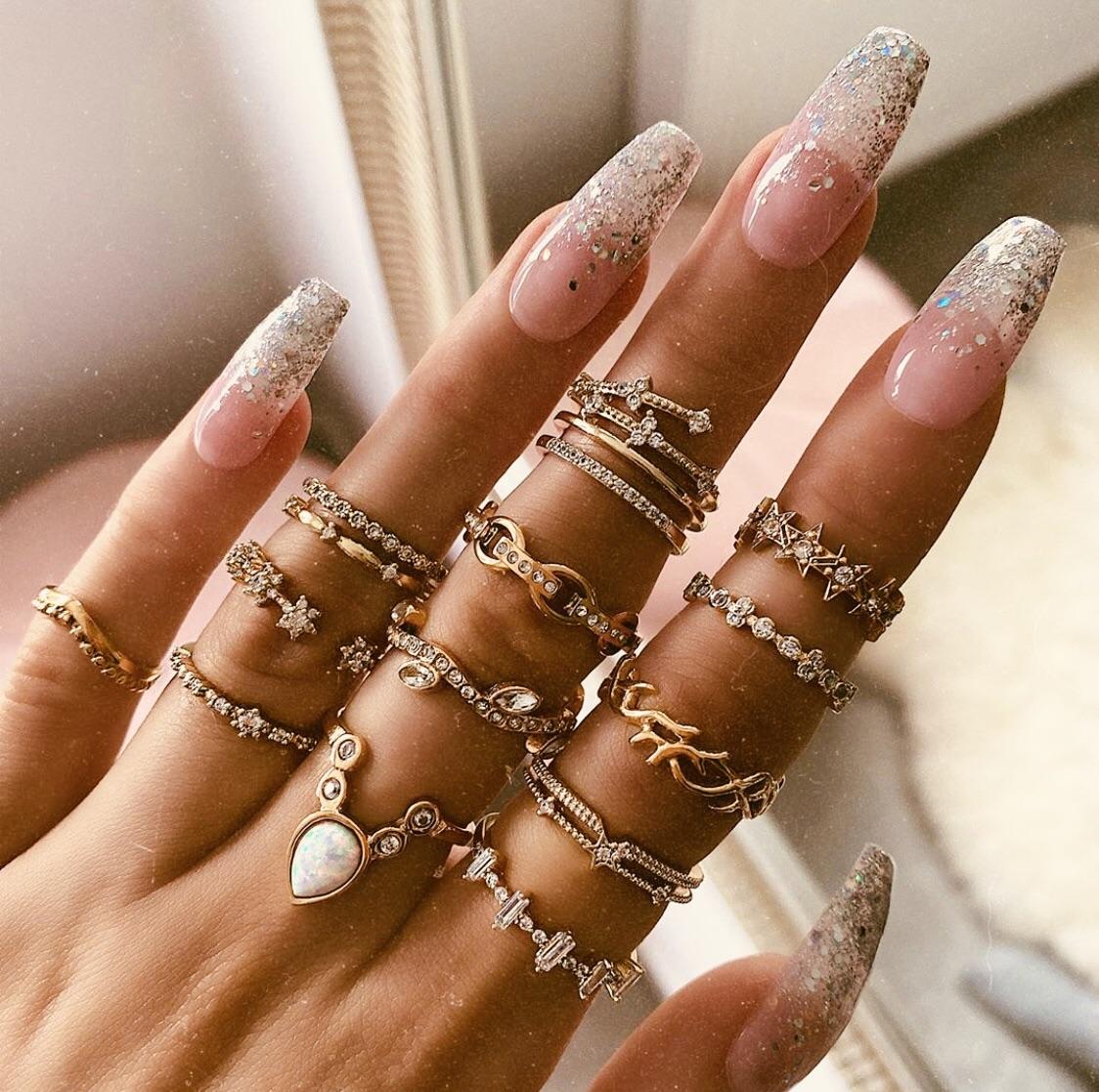 girl, nails, and gold image