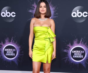 selena gomez, amas‬, and red carpet image