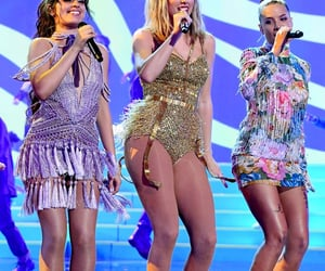 Taylor Swift, halsey, and shake it off image