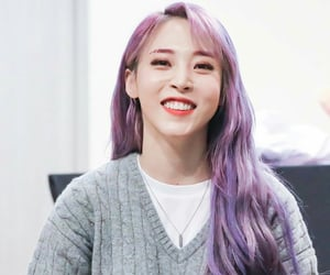 mamamoo and moonbyul image