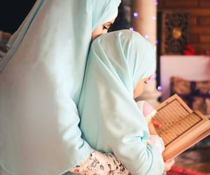 islam and mother image
