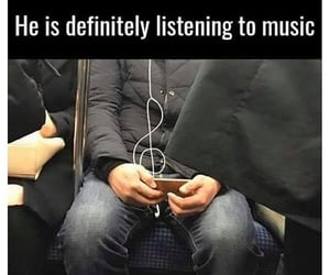 music, earphones, and treble clef image