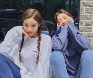 korean, ulzzang, and best friends image