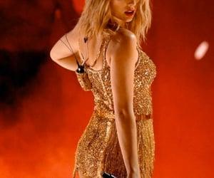 Taylor Swift, taylorswift, and american music awards image