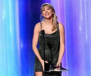 Taylor Swift, american music awards, and swifties image