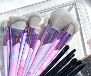 beauty, brush, and pink image