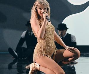 Taylor Swift, american music awards, and taylorswift image