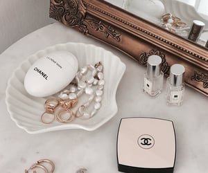 accessories, beauty, and chanel image
