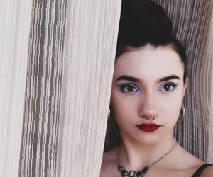 aesthetic, pale, and grunge girl image