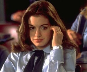 Anne Hathaway and princess diaries image