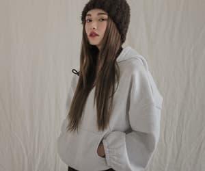 fashion, minimal, and girl image
