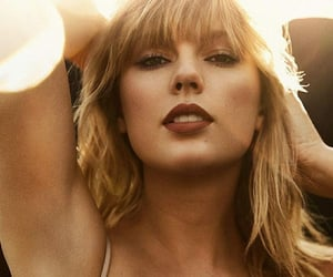 artist, celebrity, and Taylor Swift image