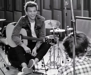 little things, one direction, and louis tomlinson image