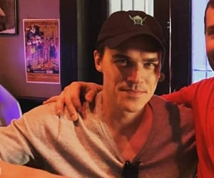 icon, icons, and finn wittrock image