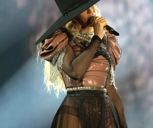 fashion, formation, and Queen image