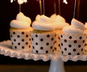 cup cakes image