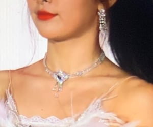 details, kpop, and red velvet image