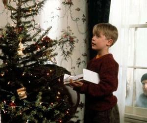 home alone, christmas spirit, and christmas movie image